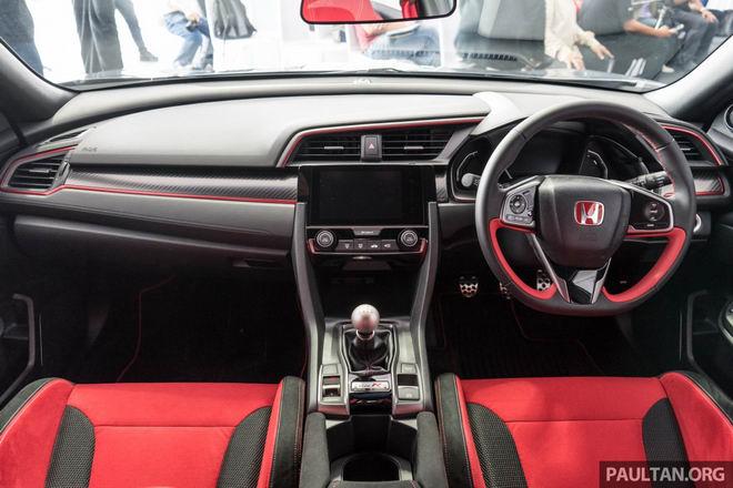 Giá cao, Honda Civic Type R 2017 vẫn ăn khách bất ngờ - 4
