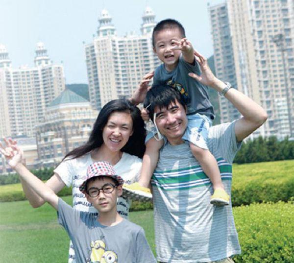 Siêu mẫu Trung Quốc chấp nhận mù để sinh con - 4