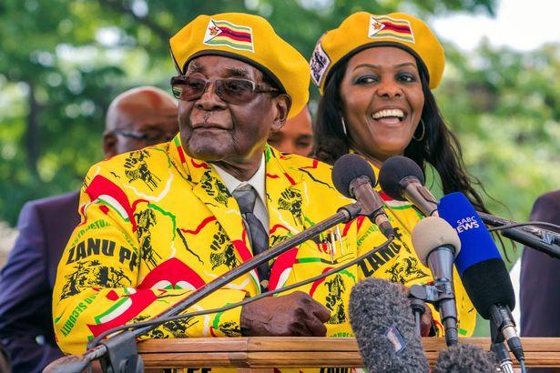 Tổng thống Zimbabwe 93 tuổi mất hết quyền lực sau một đêm? - 1