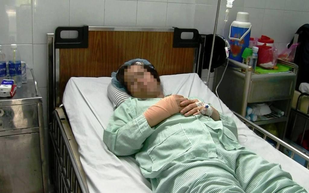 Nữ bác sĩ ở Sài Gòn bị cướp chém xối xả khi đang trên đường đi làm - 1