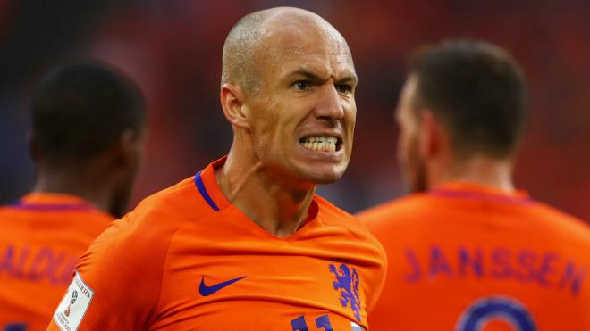 """""""Dàn tinh tú"""" xem World Cup qua TV: Buffon nối gót buồn Bale, Sanchez - 9"""