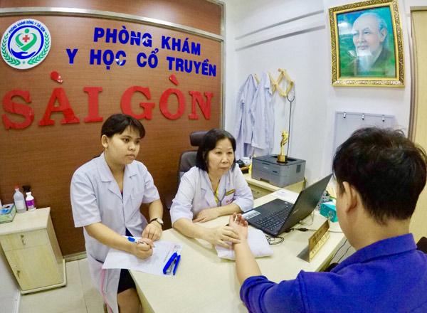 Nguyễn Thùy Ngoan – vị bác sĩ đông y trị bệnh xương khớp thu hút cả người nước ngoài - 1