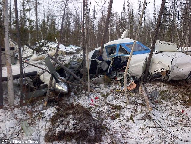 Tai nạn máy bay Nga: Bé 3 tuổi sống sót, tất cả người khác tử vong - 2