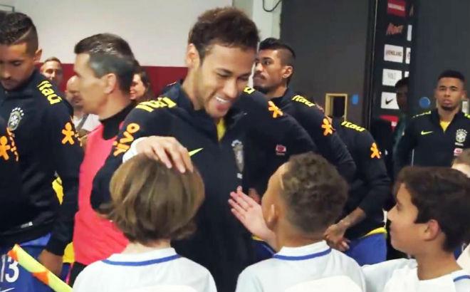 """Neymar mê tiền, ham quyền lực: """"Dìm hàng"""" MU và Ngoại hạng Anh - 2"""