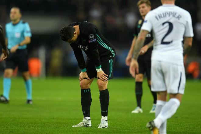 """Đấu derby Madrid: Ronaldo """"gây chiến"""" Ramos, Real đại loạn - 2"""