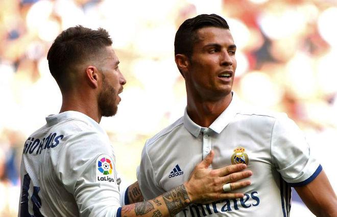 """Đấu derby Madrid: Ronaldo """"gây chiến"""" Ramos, Real đại loạn - 1"""