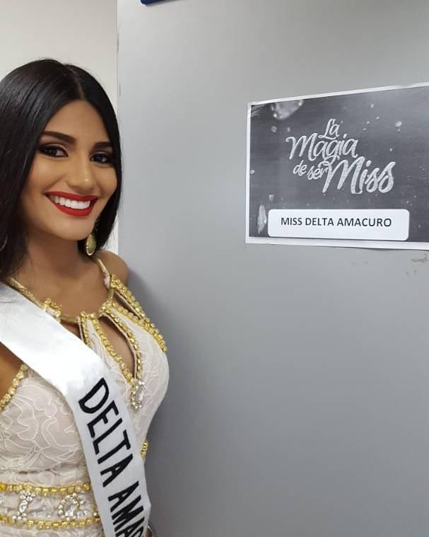 Hoa hậu Venezuela đẹp tựa tiên giáng trần đăng quang khi đất nước vỡ nợ - 11