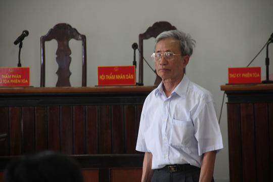 Dâm ô với trẻ em, Nguyễn Khắc Thủy lãnh án 3 năm tù giam - 1