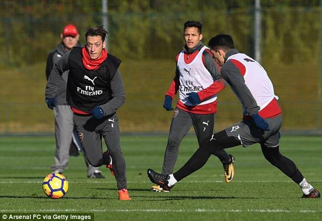 TRỰC TIẾP Arsenal - Tottenham: Mustafi làm nổ tung Emirates - 5