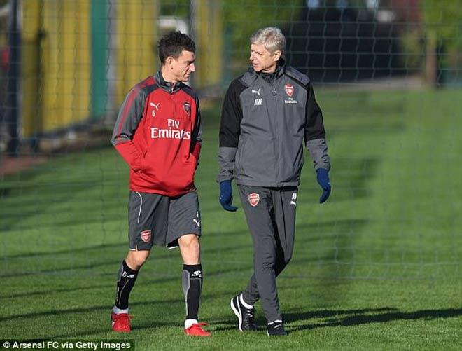 TRỰC TIẾP Arsenal - Tottenham: Mustafi làm nổ tung Emirates - 7