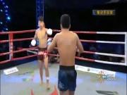 """Phẫn nộ: Võ sỹ Trung Quốc đá trộm thắng sau 1 giây, bị chửi """"cả đời"""""""
