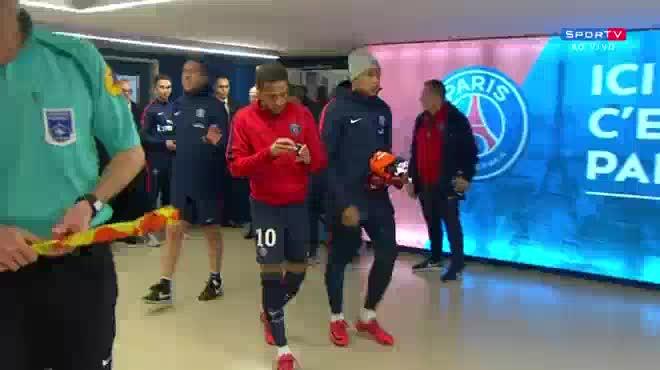 """Tay chơi Neymar """"lộ nguyên hình"""": Nhà giàu PSG bất lực, Emery lên tiếng"""