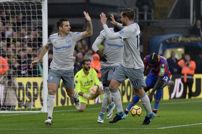 """C.Palace - Everton: Hiệp 1 """"điên rồ"""", rượt đuổi kịch tính - 1"""