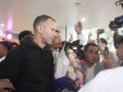"""Cập nhật Giggs - Scholes đã đến Việt Nam: Fan MU """"bao vây"""" huyền thoại"""