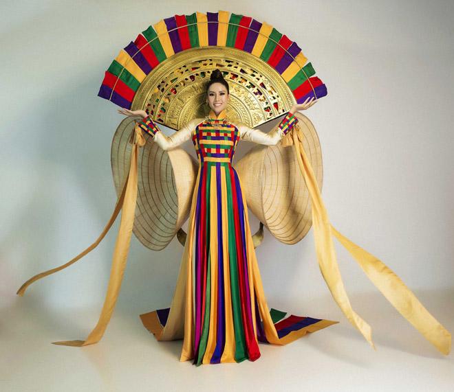 Nguyễn Thị Loan mặc mỏng manh như sương thi Hoa hậu Hoàn vũ - 10