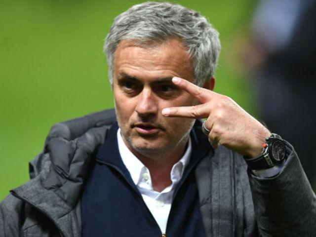 Chuyển nhượng MU: Mourinho nhận lương 11 tỷ đồng/tuần, ngang Ronaldo