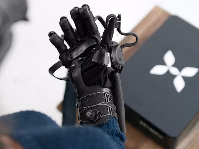 Điều kỳ diệu đến từ găng tay thực tế ảo thực tế nhất thế giới - 2