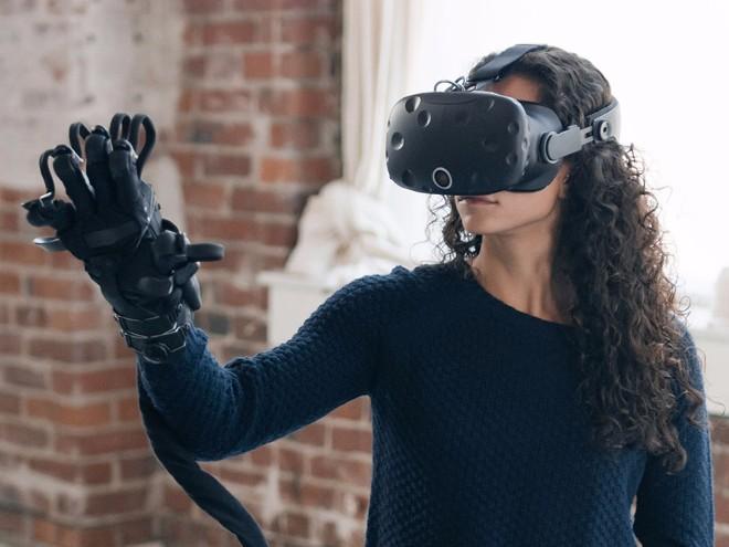 Điều kỳ diệu đến từ găng tay thực tế ảo thực tế nhất thế giới - 1