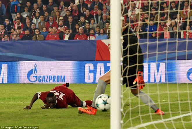 """Tuyệt tác cúp C1: Ronaldo – Benzema """"giải hạn"""", Liverpool bị rượt đuổi điên rồ - 8"""
