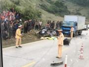 Xác định danh tính 4 nạn nhân vụ xế hộp nát bét sau va chạm xe tải