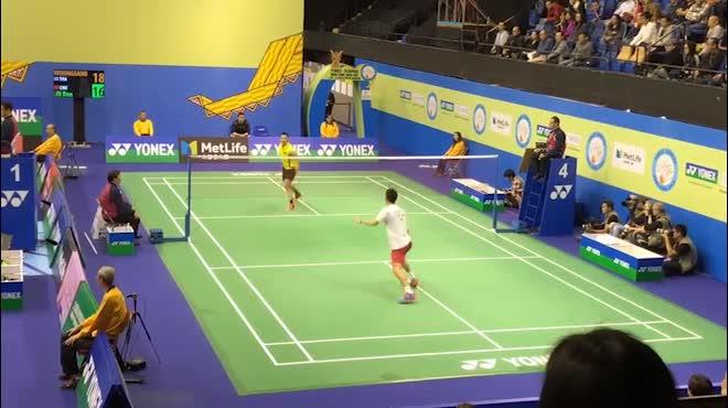 """Cầu lông: Lin Dan, Lee Chong Wei bỏ nhỏ vi diệu, đối thủ """"than trời"""""""