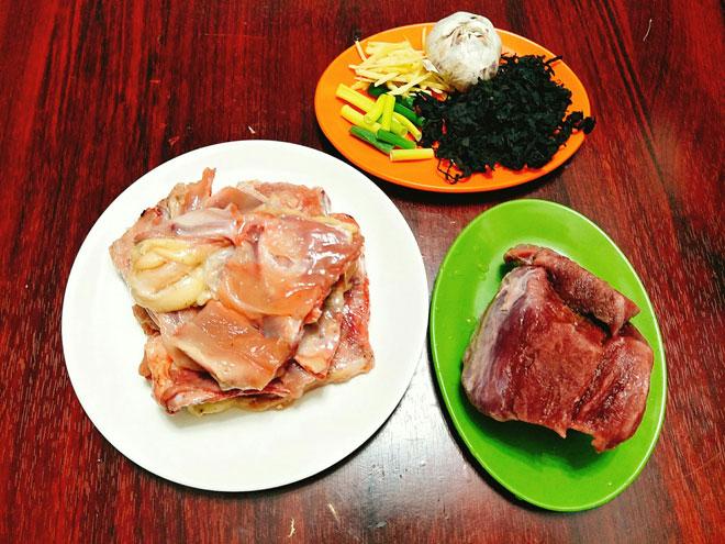 Canh rong biển thịt bò thơm ngọt, nóng hổi cho bữa cơm chiều - 2