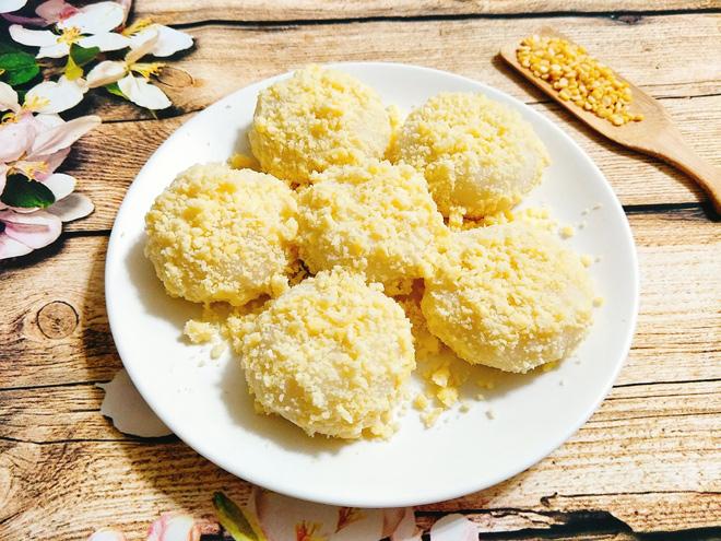 Tuyệt chiêu làm bánh dầy đậu xanh dẻo mềm, trắng ngần cho bữa sáng - 1