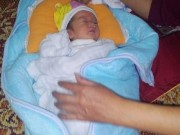 Tin tức trong ngày - Phát hiện trẻ sơ sinh còn nguyên dây rốn bị bỏ rơi bên suối