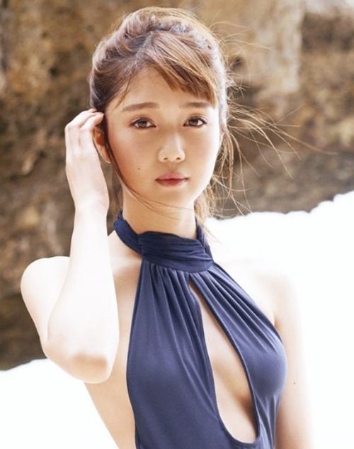 Chưa tròn 20, mỹ nhân Nhật khiến bao anh điêu đứng vì đẹp hơn hoa - 1