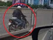 Hoảng hồn 2 cô gái đi xe máy ngược chiều, lao vun vút trên đường vành đai 3