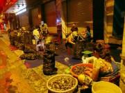 Chợ  độc  gần nửa thế kỷ chỉ bán một mặt hàng vào lúc nửa đêm ở SG