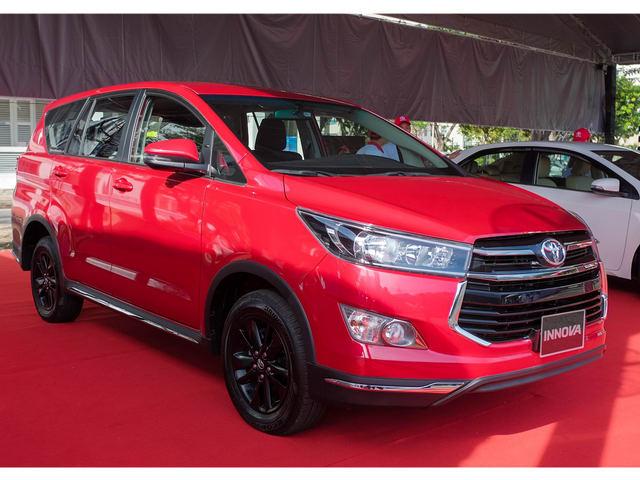 Cận cảnh Toyota Innova Venturer giá 855 triệu đồng