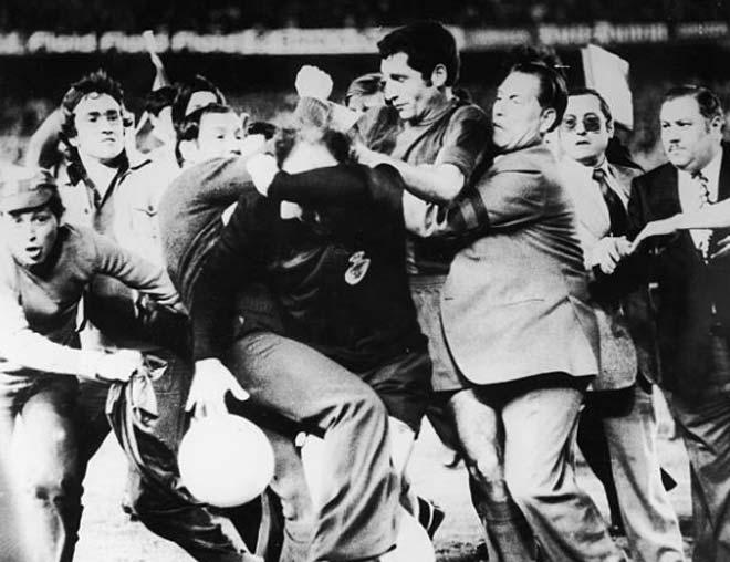 Barca bị trọng tài cướp bàn thắng: Âm mưu trù dập vì dám ly khai? - 7