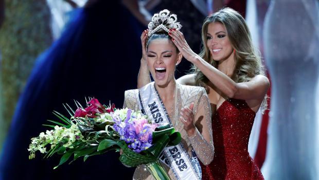 Vẻ nóng bỏng của mỹ nữ Nam Phi đăng quang Hoa hậu Hoàn vũ - 2