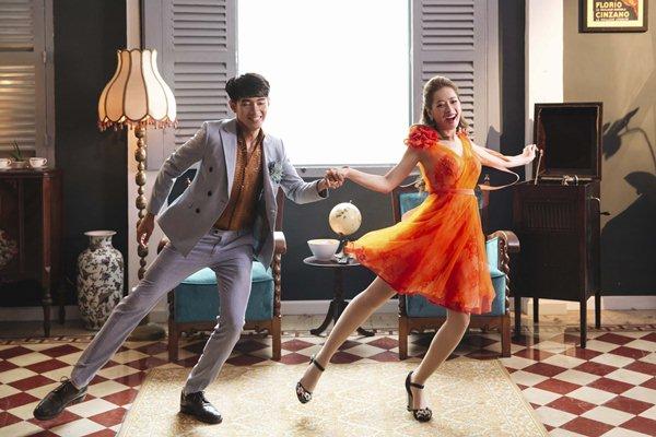Váy áo đẹp như công chúa, Chi Pu vẫn bị soi vì sự cố hớ hênh trong MV mới - 5