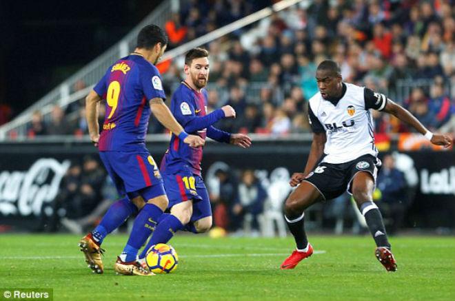 """Valencia - Barcelona: Thảm họa trọng tài, cái kết """"thót tim"""" - 1"""