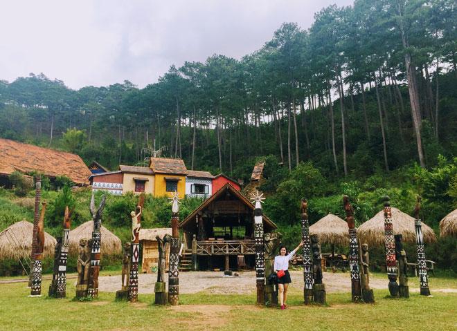 Ngôi làng có tên lạ lùng, đẹp như cổ tích ẩn mình giữa đồi thông Đà Lạt - 2