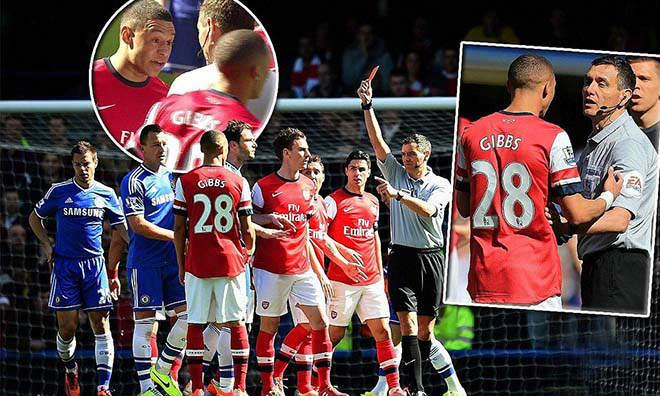 """Đại chiến Arsenal - MU: Tiết lộ """"vua cầm còi"""", triệu fan MU mừng rơi nước mắt - 2"""