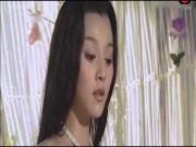 Cảnh Phạm Băng Băng mặc áo yếm lả lơi bỗng gây sốt trên mạng