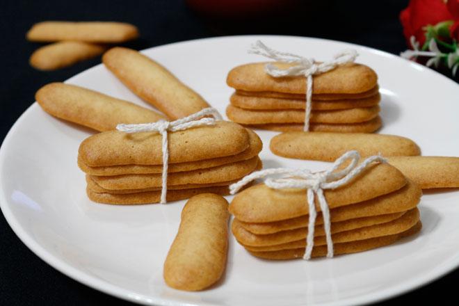 """Cách làm bánh lưỡi mèo giòn rụm, ngọt thơm """"dễ không tưởng"""" - 1"""