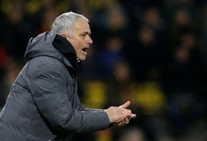 MU hạ Watford: Mourinho lo chấn thương Matic, Rojo bị tố đáng nhận thẻ đỏ - 2