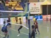 """Thể thao Việt Nam có  """" siêu nhân """"  bóng chuyền 2m, đập bóng như vũ bão"""