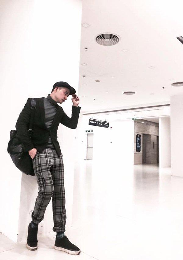 Váy trong suốt mặc như không của MC Quỳnh Chi gây chú ý trong tuần - 1