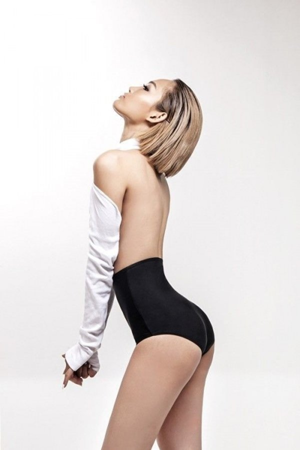 """Nữ DJ Việt """"nghiện"""" quần siêu ngắn, bikini bé xíu vì sở hữu vòng 3 đẹp nhất - 12"""