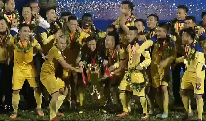 SLNA - B. Bình Dương: Sân Vinh nổ tung tiệc 6 bàn (Chung kết lượt về Cúp quốc gia) - 6
