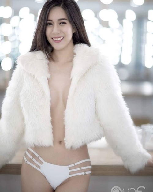 Áo ấm không nội y - độc chiêu quyến rũ mới của phái đẹp châu Á - 1