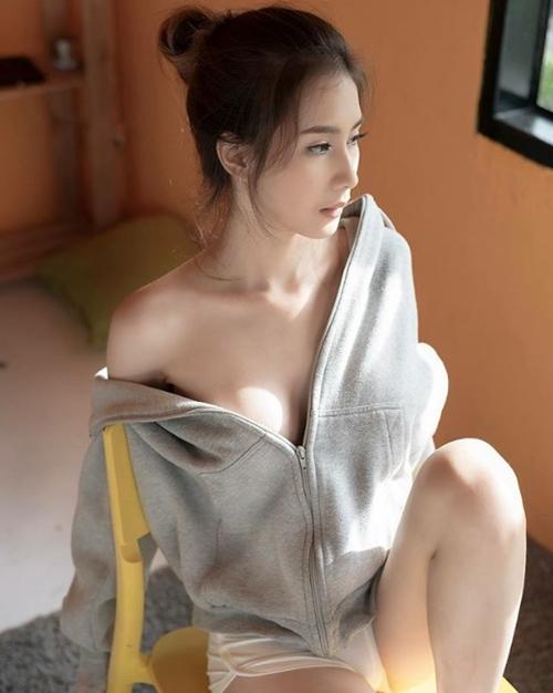 Áo ấm không nội y - độc chiêu quyến rũ mới của phái đẹp châu Á - 14