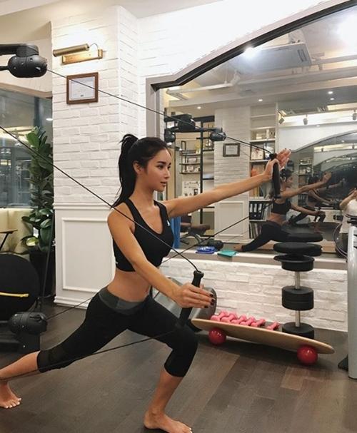 Cuộc sống sang chảnh của mẫu Hàn ở Dubai - 14