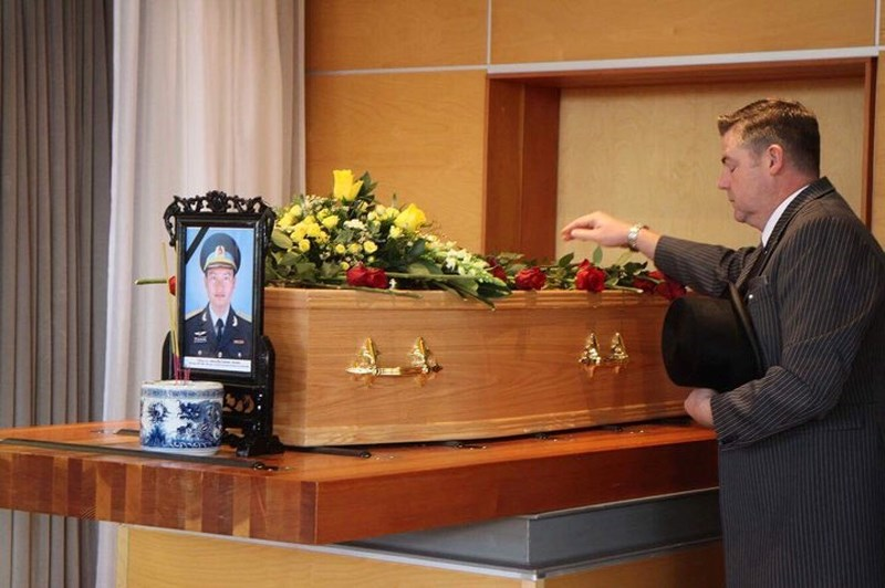 Lễ tang phi công Nguyễn Thành Trung tại nước Anh - 1