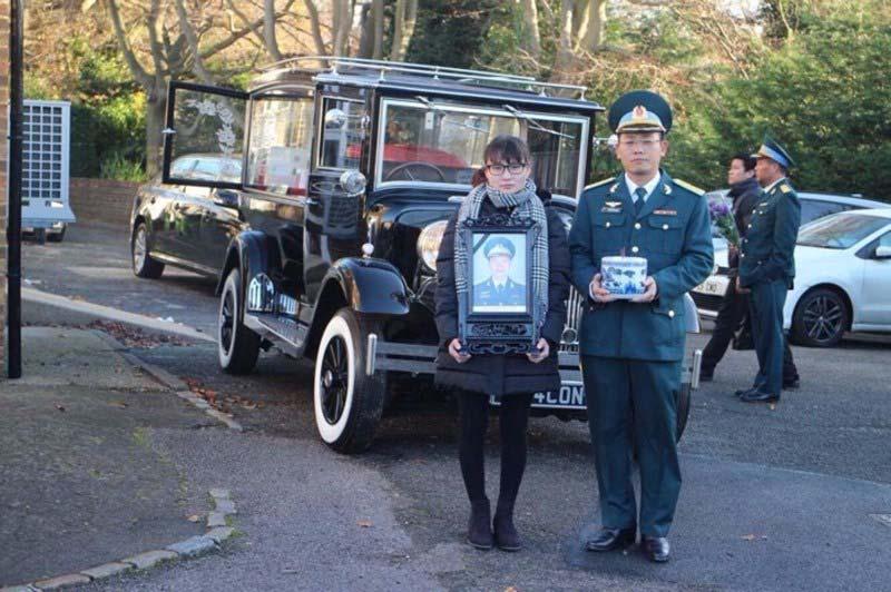 Lễ tang phi công Nguyễn Thành Trung tại nước Anh - 5